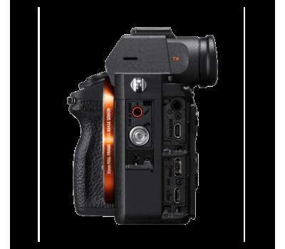 Камера α7R III с полнокадровой 35-миллиметровой матрицей и автофокусировкой